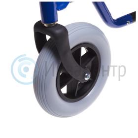 Передние цельнолитые шины