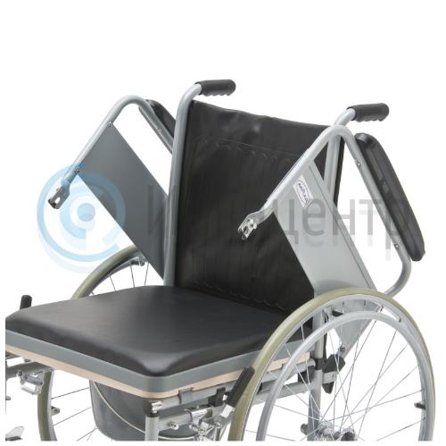 Кресло-коляска с санитарным оснащением Armed FS682