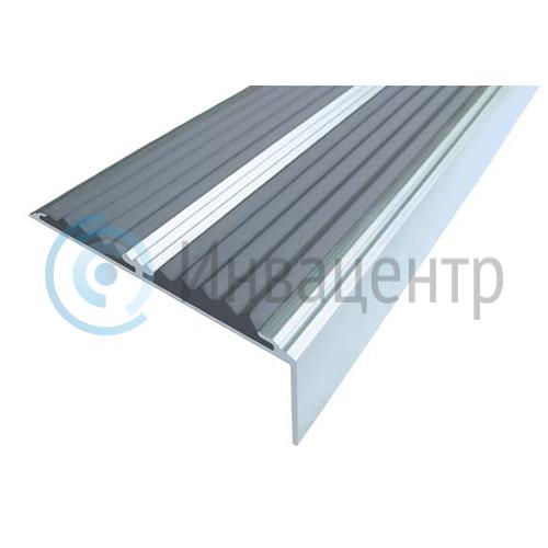 Алюминиевый угол-порог с двумя противоскользящими вставками