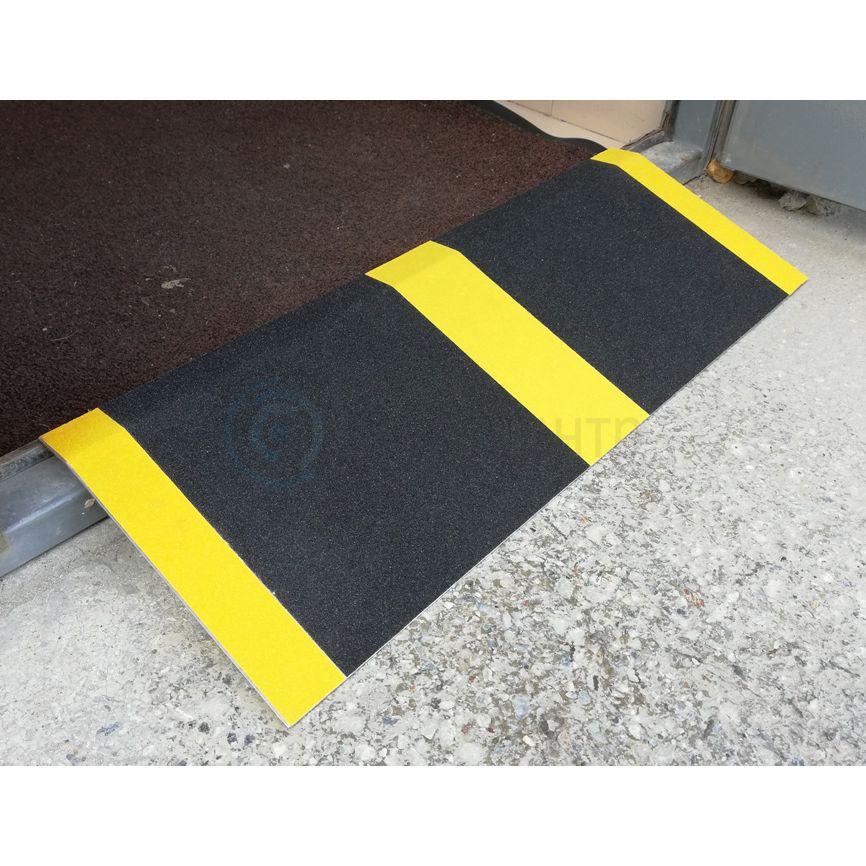 Пандус приставной с противоскользящим покрытием STR018-12 30x80 см